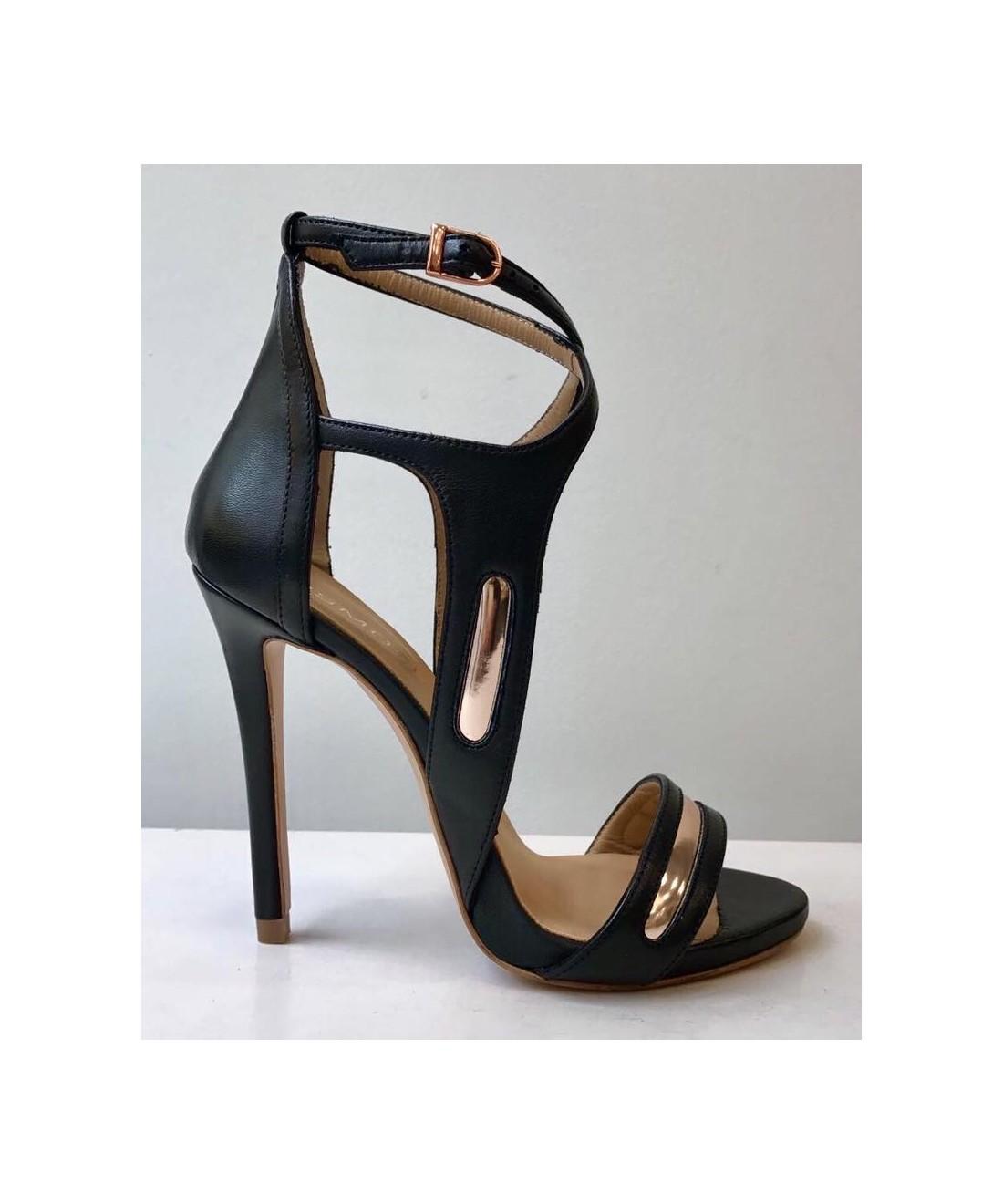 soyez ensorcelante en sandale cuir noir talon haut. Black Bedroom Furniture Sets. Home Design Ideas