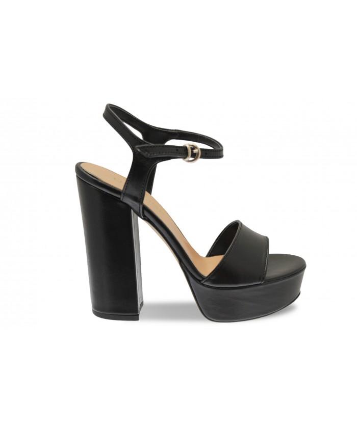 Sandale Ciara: Cuir Noir à talon carré