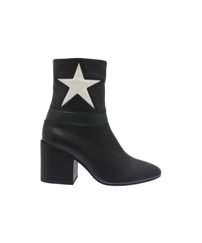 Bottine Isabelle: Cuir Noir Liseret Vert & étoile à talon carré