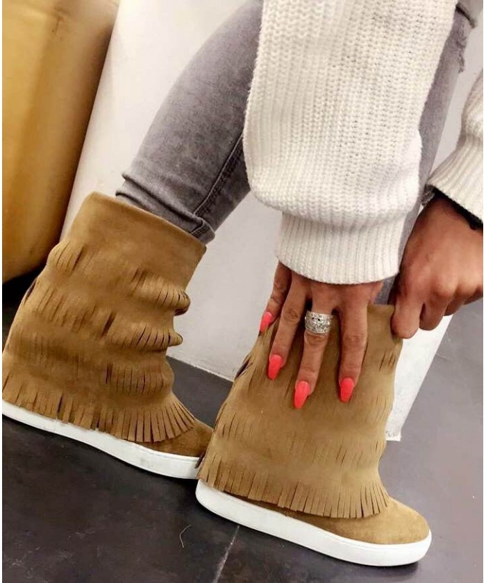 Basket Jessy : daim camel à frange & talon compensée