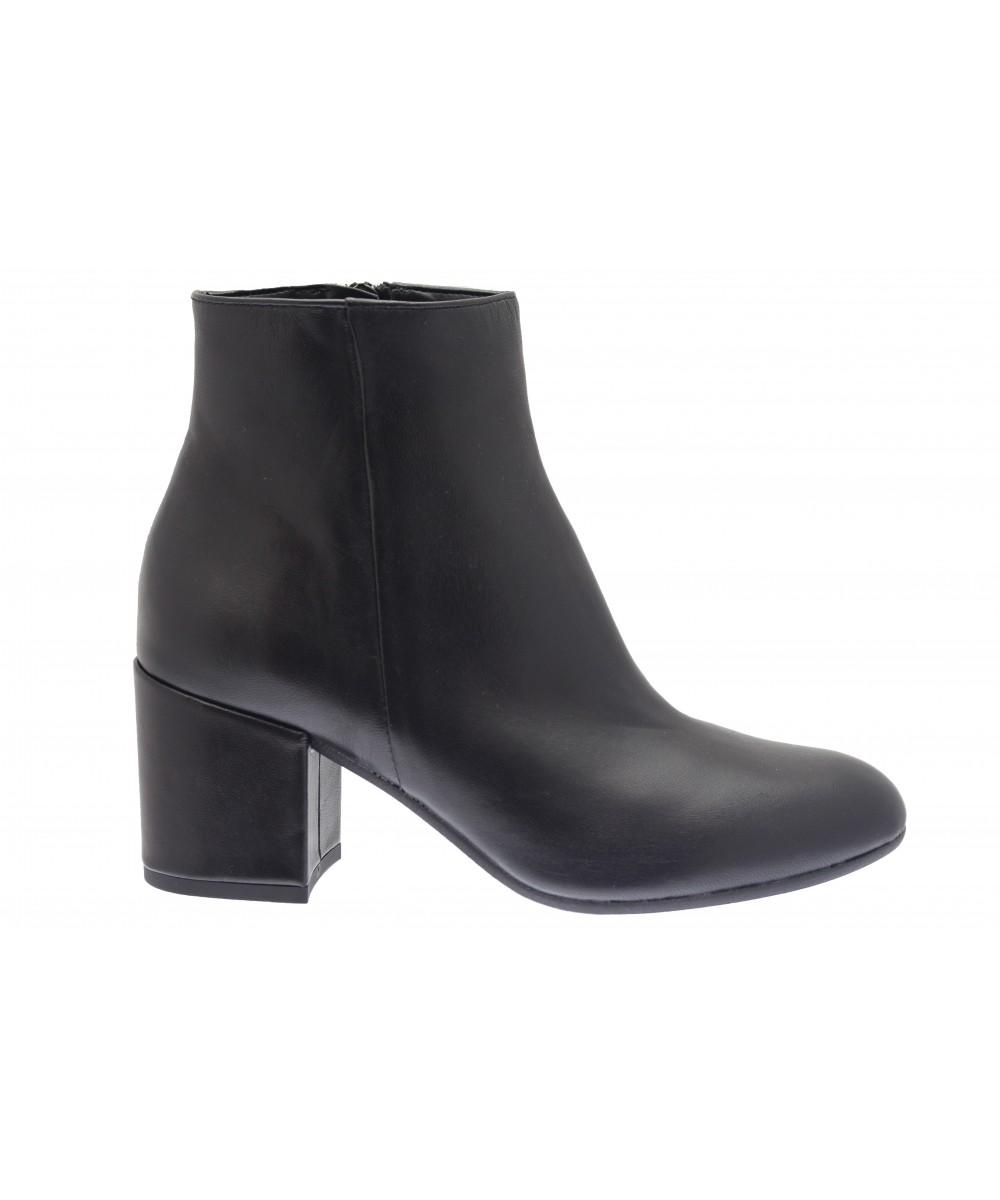 r tro chic sur la bottine osmose shoes paris cuir noir petit talon. Black Bedroom Furniture Sets. Home Design Ideas