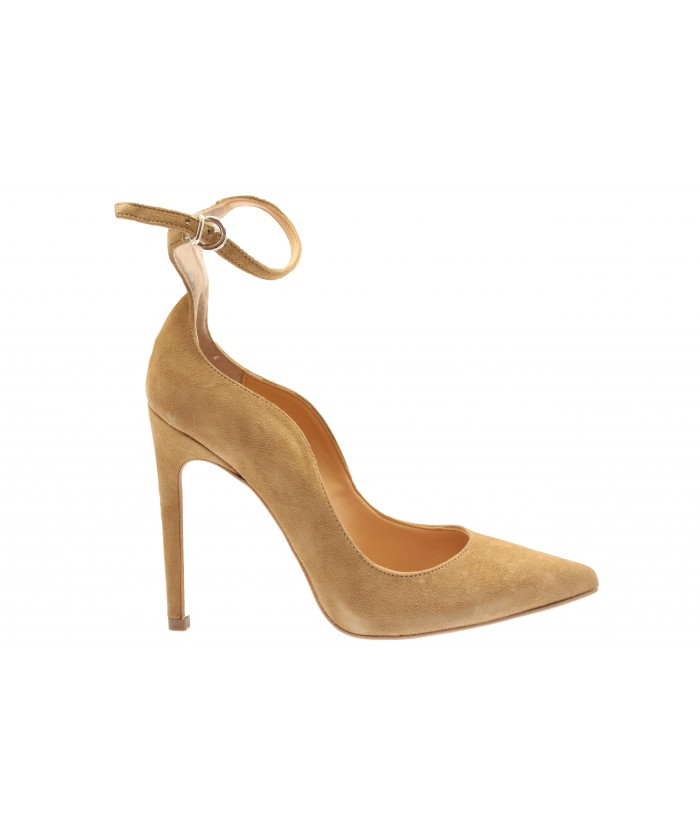 Escarpin Monique: Daim Camel à bride & talon fin