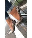 Escarpin Julietta: Effet python vernis beige à talon fin
