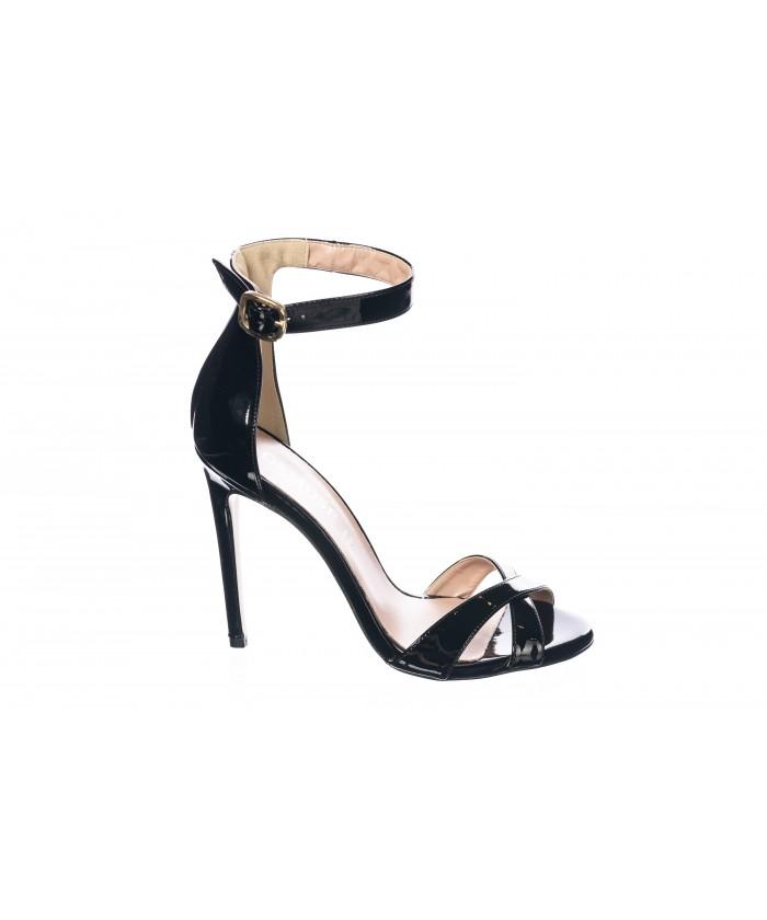 Sandale : Vernis Noir à Bride & Talon