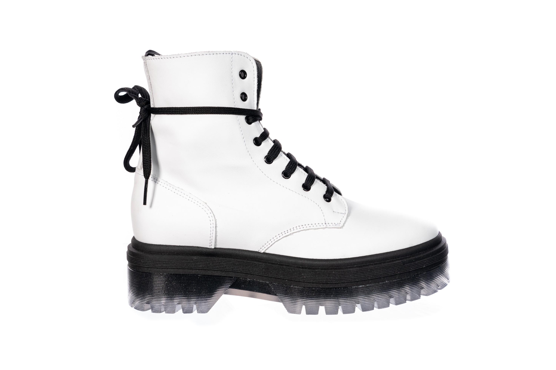 Mettez du blanc à vos pieds sur la nouvelle rangers OSMOSE