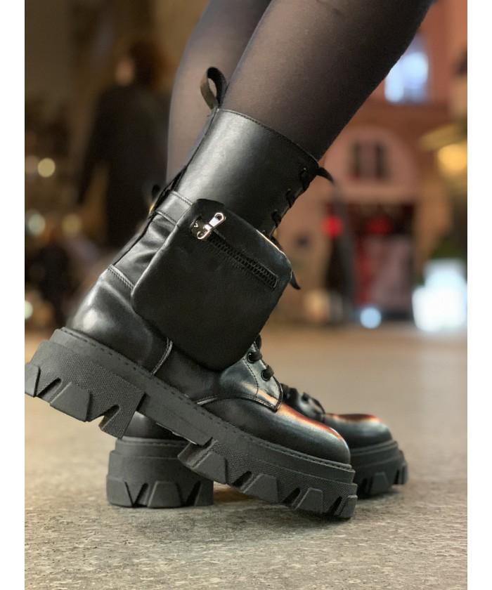 Boots Rangers Jadou : Cuir Noir à lacets et semelle crantée