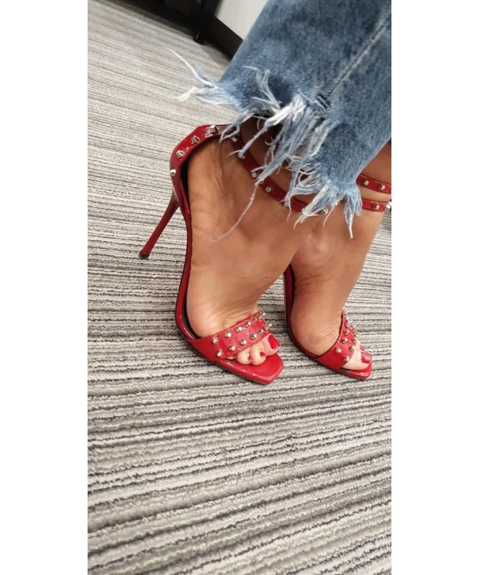 Sandale Sandrine : Verni rouge à clou & Talon Aiguille